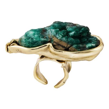 800px_0005s_0010_ines-sainz-anillo-esmeralda-bruto